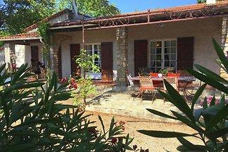 Malerisches Ferienhaus mit privatem Pool in L...