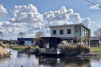 Modernes Ferienhaus am Wasser, Alkmaar bei...