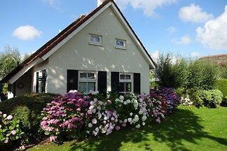 Sfeervol vakantiehuis aan het Schildmeer met...