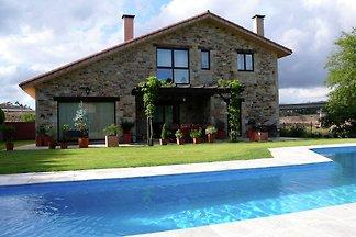 Gemütliches Ferienhaus in Costoia mit...