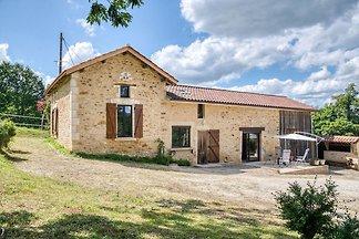Gemütliches Ferienhaus in Loubejac nahe dem...