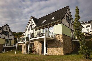 Doppelhaushälfte, schöne Villa mit Sauna, in ...