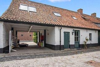 Schöne Wohnung in Brügge in einem Reitplatz