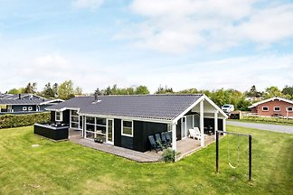 Luxurious Holiday Home in Juelsminde with Ind...
