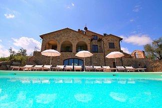 Cozy Farmhouse in Castel del Piano with Swimm...