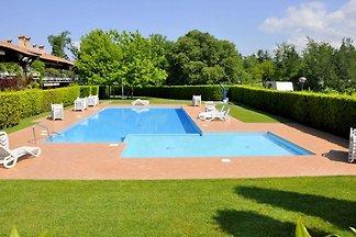 Große, farbenfrohe Villa mit 3 separaten...