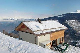 Chalet mit Panoramablick auf die Berge in Les...