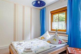 Luxuriöses Ferienhaus mit Gemeinschaftspool i...