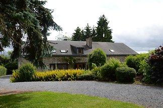 Charmantes Ferienhaus in Halleux mit Garten