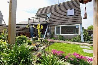 Modernes Ferienhaus in Grou mit Garten