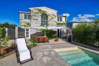 Luxuriöse Villa in Šibenik mit Pool