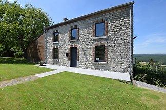 Denkmalgeschütztes Ferienhaus in Humain mit e...