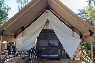 Schöne Zelthütte mit Veranda, 2 km.
