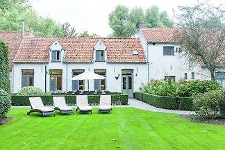 Antikes Ferienhaus in Brügge mit Terrasse