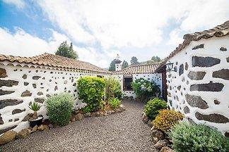 Geräumiges Ferienhaus in El Amparo inmitten v...