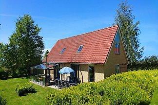Schönes Haus mit großem Garten, 19 km von Hoo...