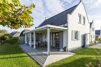 Freistehendes Ferienhaus in Wolphaartsdijk mi...
