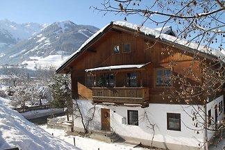 Helle Forst-Ferienwohnung in Skigebiet-Nähe i...