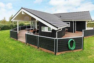 Pittoreskes Ferienhaus in Seeland mit Sauna