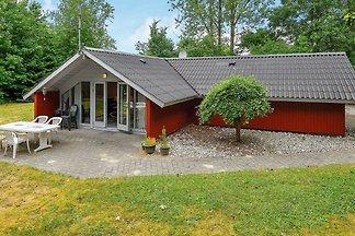 Helles Ferienhaus in Jütland in Seenähe