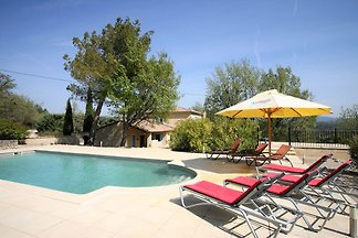Luxurious Villa with Private Pool at Saignon...