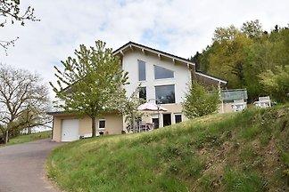 Schönes Ferienhaus in Varsberg mit Terrasse u...