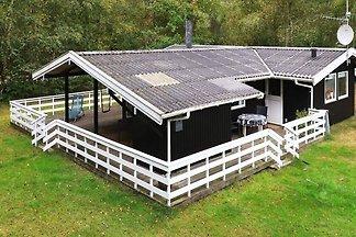 Gut ausgestattetes Ferienhaus in Læsø mit...