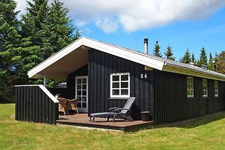 Geräumiges Ferienhaus in Blokhus mit Terrasse