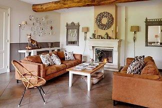 Schönes Bauernhaus in Baarlo mit privatem...