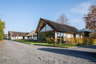 Modernes Ferienhaus mit Garten in...