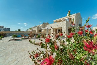 Schöne villa in Privlaka mit beheiztem Pool