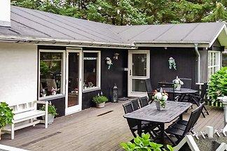 Geräumiges Ferienhaus am Hals mit Sauna