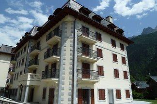 Hübsche Ferienwohnung mit Terrasse in Chamoni...