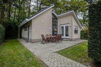 Schönes Ferienhaus in Schoorl mit Terrasse