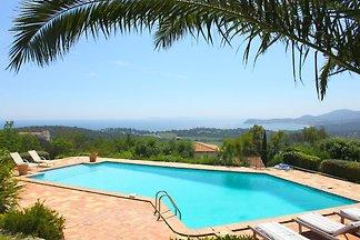 Wunderschöne Villa mit privatem Pool in La...