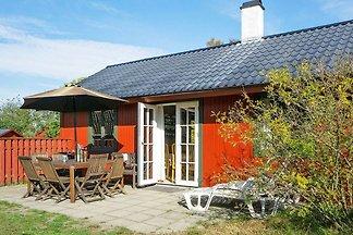 Geräumiges Ferienhaus in Nexø mit...