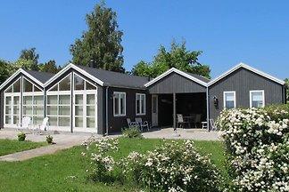 Modernes Ferienhaus mit Terrasse in Nysted