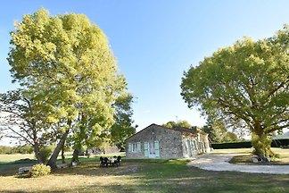 Gemütliches Ferienhaus mit Garten in Saint-Ne...