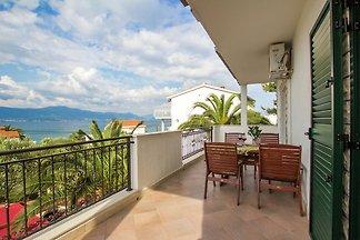Moderne Ferienwohnung mit Terrasse in Slatine