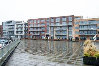 Moderne Wohnung mit Blick auf den Hafen von...