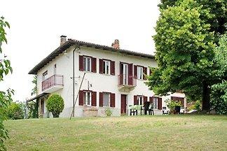 Schönes Ferienhaus in Moncucco Torinese mit...