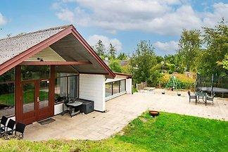 Herrliches Ferienhaus in Ebeltoft mit Sauna