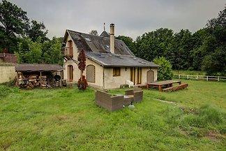 Angenehmes Ferienhaus in Raizeux mit Garten