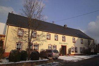 Schönes Ferienhaus in Morscheid-Riedenburg mi...
