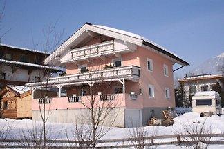 Schöne Ferienwohnung mit Terrasse in Aschau i...