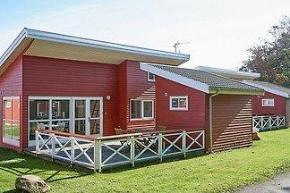 Elegantes Ferienhaus in Bornholm mit Terrasse