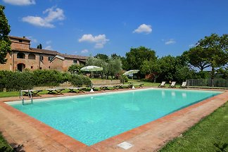 Villa with private swimming pool and spacious...