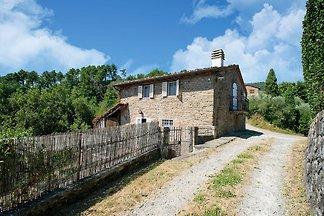 Casa vacanze in stile rustico a Lucca, con gi...