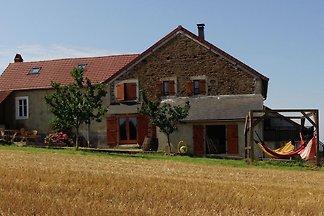 Altes Ferienhaus in Rémilly mit Terrasse