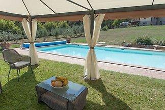 Piękny dom wakacyjny w Cetonie z prywatnym...